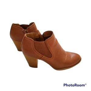 """EuroSoft by Soffit brown 3"""" heel booties with zipper size 6.5"""
